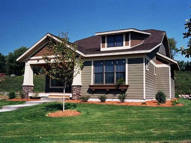 Medium bungalow-style home (1)