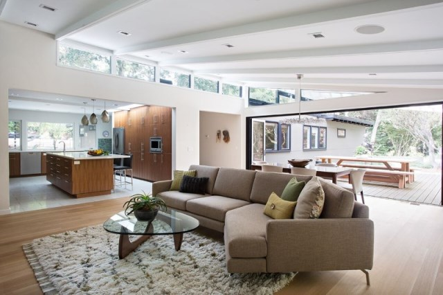 Modern Medium Home airy structure (1)