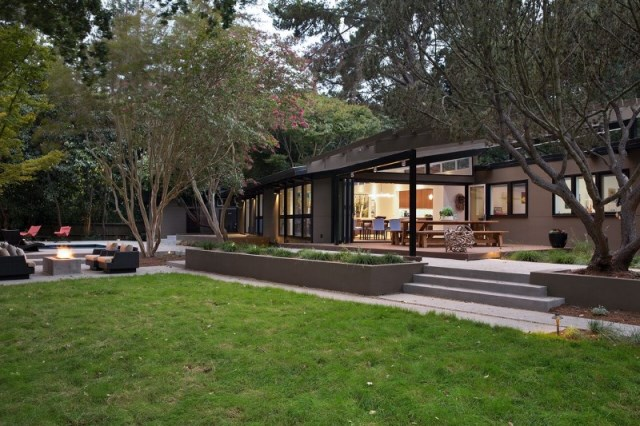 Modern Medium Home airy structure (5)