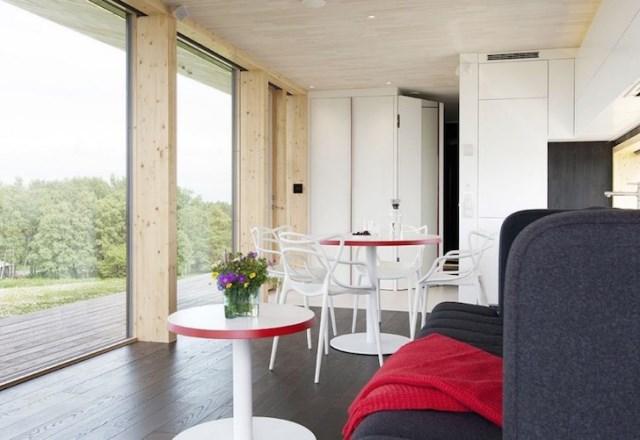Modern small house for seaside (1)