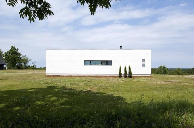 Modern small house for seaside (5)