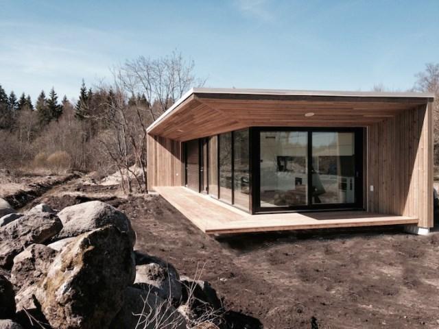 Modern small house for seaside (8)