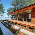 บ้านตากอากาศแบบโมเดิร์น ตกแต่งด้วยไม้และกระจก โปร่ง โล่ง สบาย