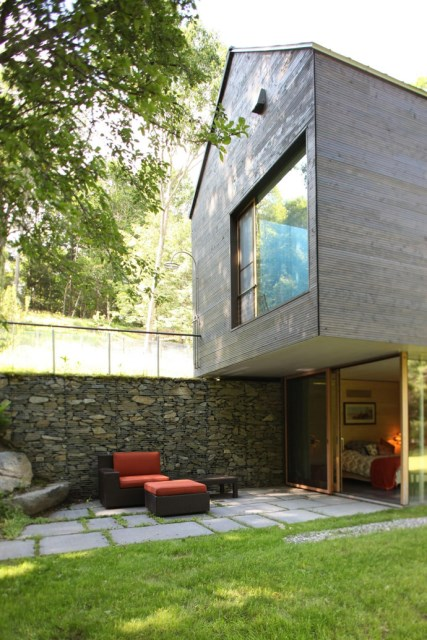 Modern two-story house mixed materials and natural materials (16)