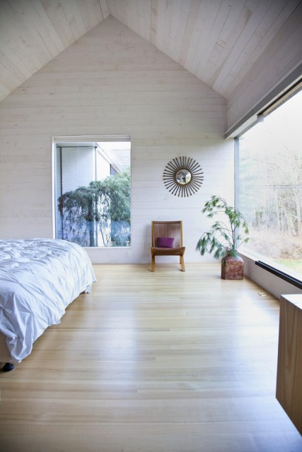 Modern two-story house mixed materials and natural materials (4)
