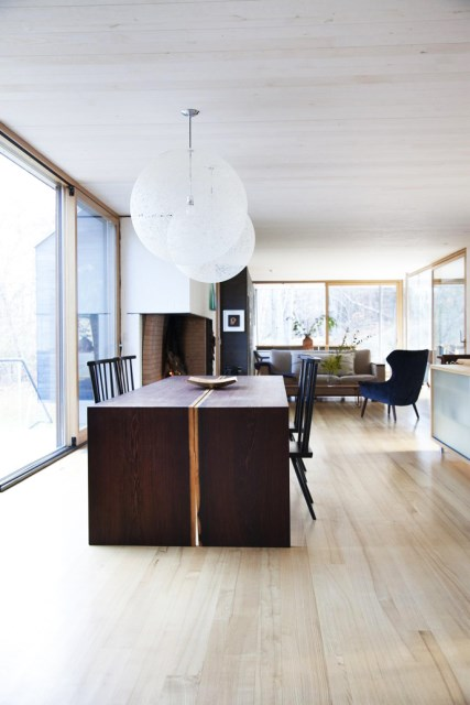 Modern two-story house mixed materials and natural materials (6)