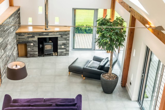 Rustic Medium decor Wood and brick (7)