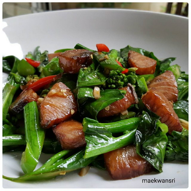 Stir-fried kaled with sun-dried salted fish recipe (2)