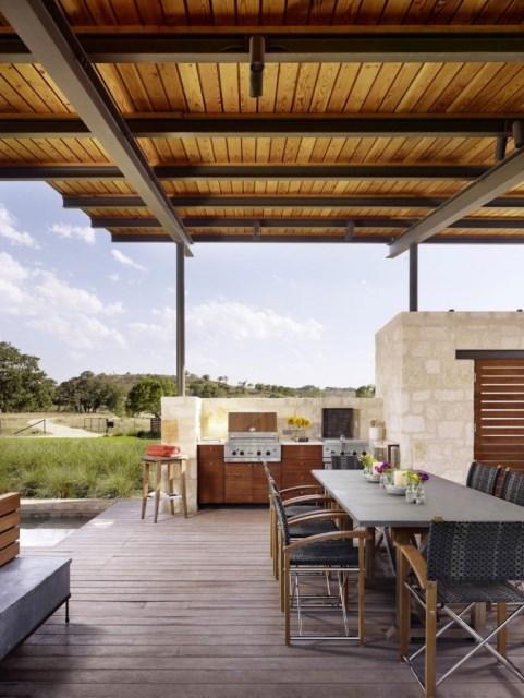 Story-Pole-House-designed-by-Lake-Flato-Architects-Texas-769x1024
