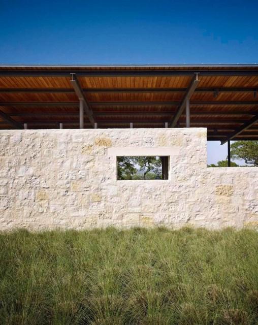 Story-Pole-House-designed-by-Lake-Flato-Architects