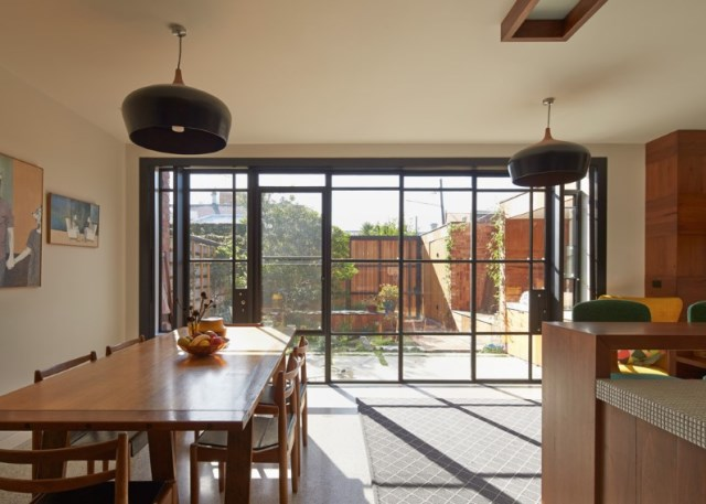 Victorian-house-in-Melbourne-by-Phooey-Architects-dining-room