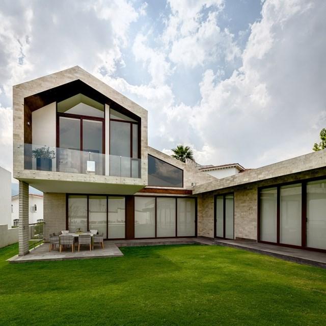 arqmov-workshop-casa-LPZ-house-mexico-city-designboom-01-818x818