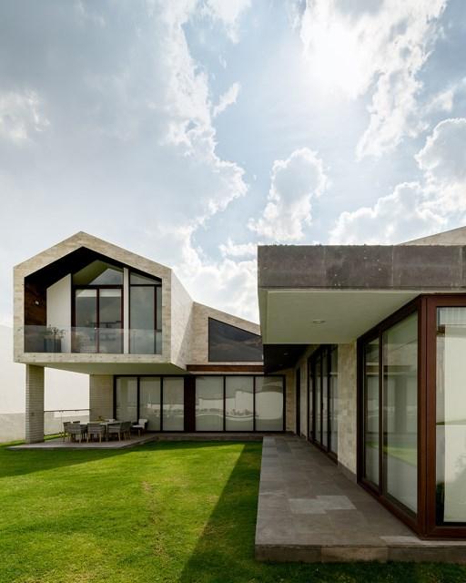 arqmov-workshop-casa-LPZ-house-mexico-city-designboom-03