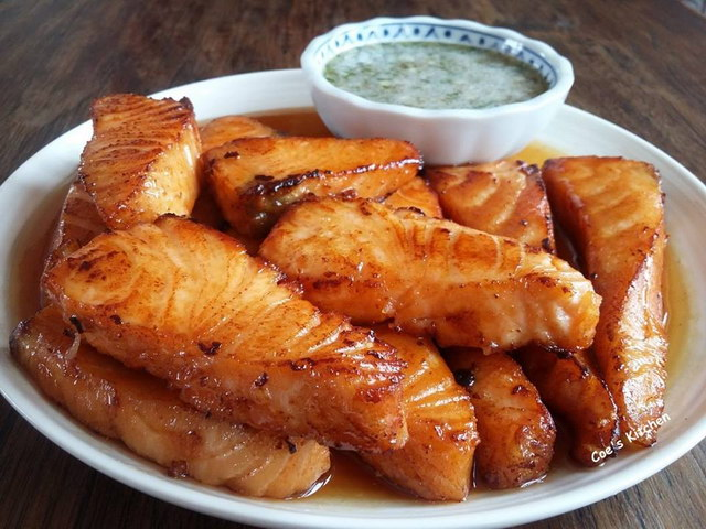 deep fried Salmon with fish sauce recipe (1)