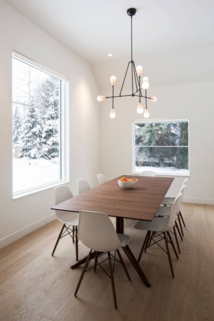 dining-room-house-in-Salt-lake-City-682x1024