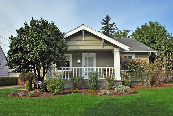 grey gable cozy house (1)