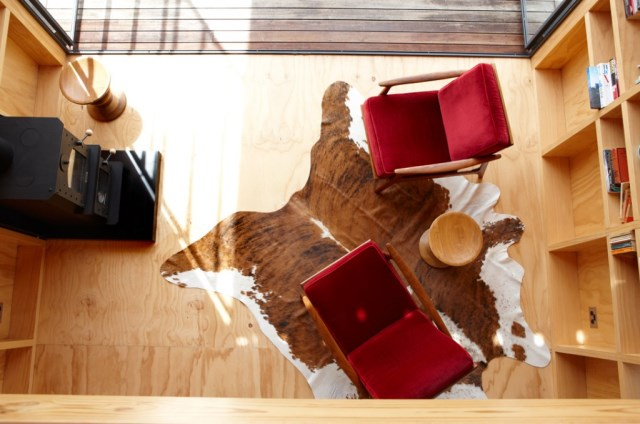 home-modern-tiny-decorated-wood (2)