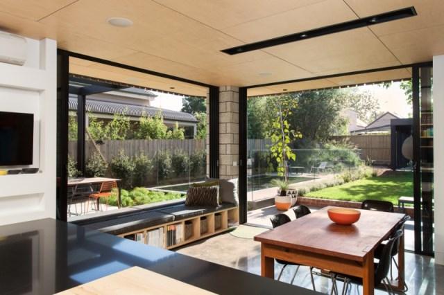indoor-outdoor-Balaclava-House