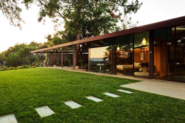 modern House decor with modern materials (10)