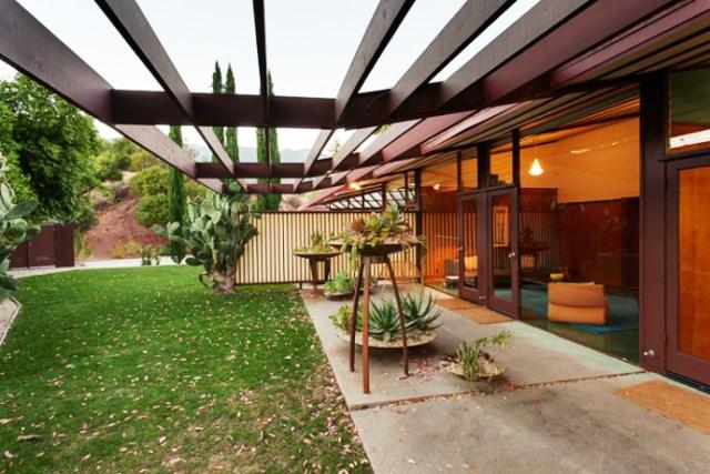 modern House decor with modern materials (11)
