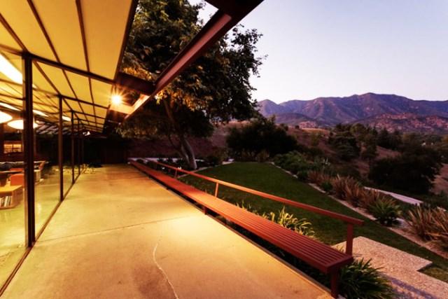 modern House decor with modern materials (22)