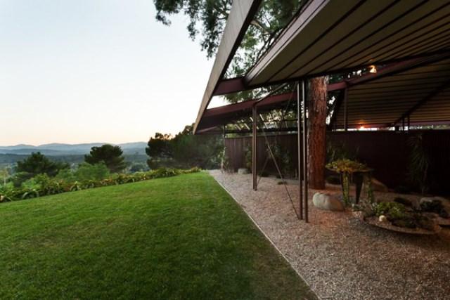 modern House decor with modern materials (29)