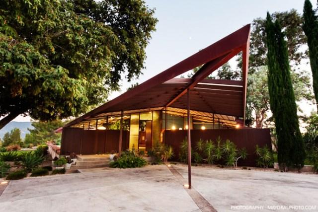 modern House decor with modern materials (9)