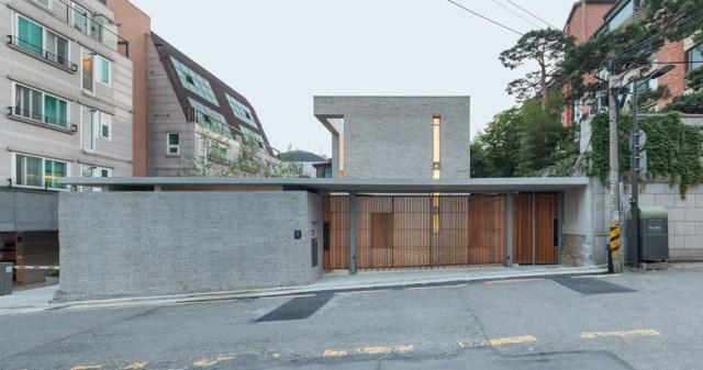 obba-open-and-closed-house-seoul-designboom-01-818x431