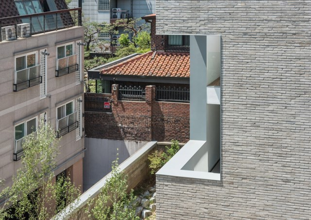 obba-open-and-closed-house-seoul-designboom-02