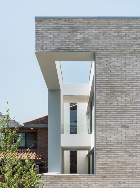 obba-open-and-closed-house-seoul-designboom-03