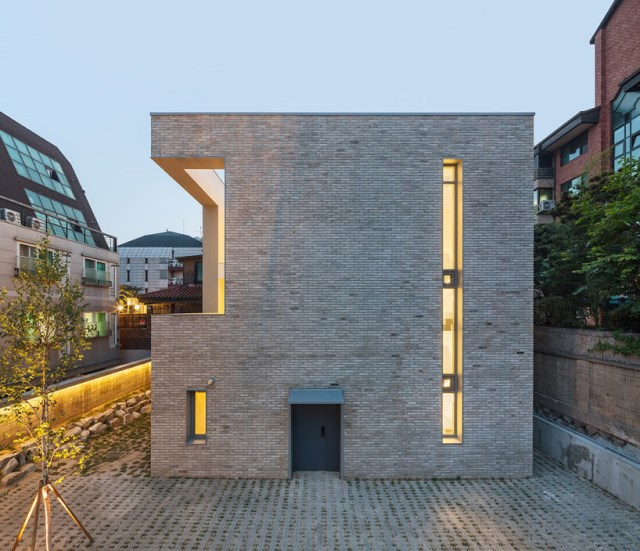 obba-open-and-closed-house-seoul-designboom-09