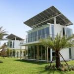 """พาไปชม!! """"บ้านผีเสื้อ"""" บ้านที่ผลิตพลังงานใช้เองแห่งแรกของโลก นวัตกรรมเพื่อชีวิตอนาคตที่ยั่งยืน"""