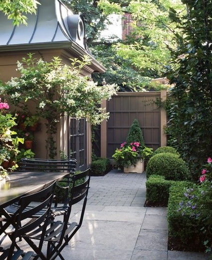 small-decorated-courtyard-ideas (7)