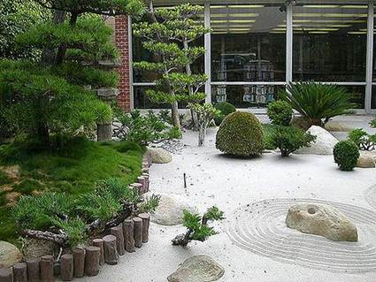 small-decorated-courtyard-ideas (8)