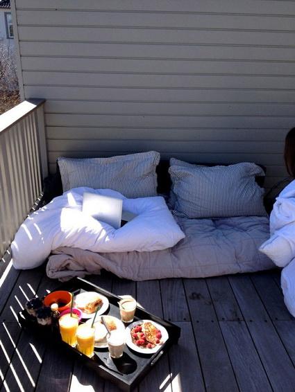 small wooden balcony ideas (1)