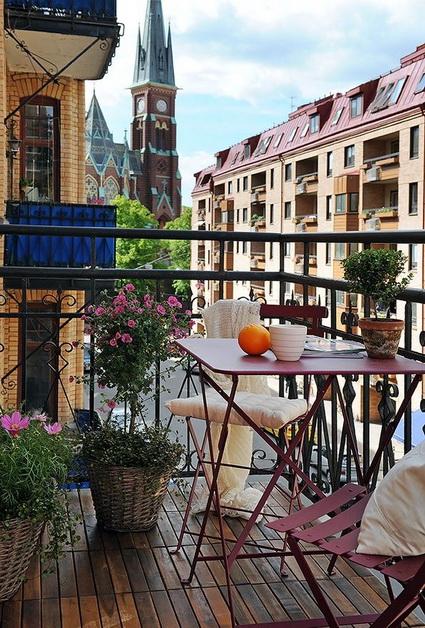 small wooden balcony ideas (3)