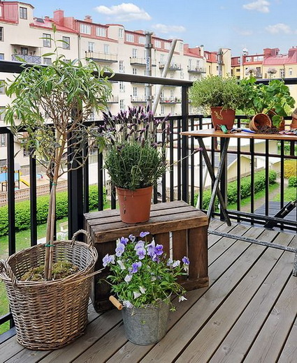 small wooden balcony ideas (5)