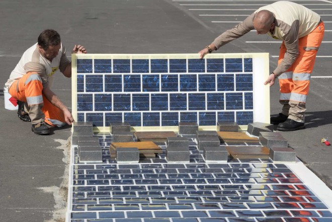 solar photovoltaic panels on road (1)