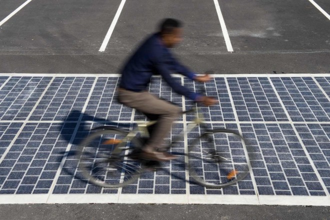 solar photovoltaic panels on road (8)