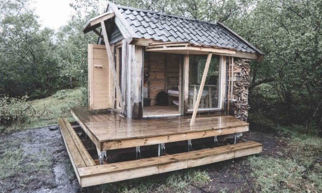 tiny cabin recycled materials (5)