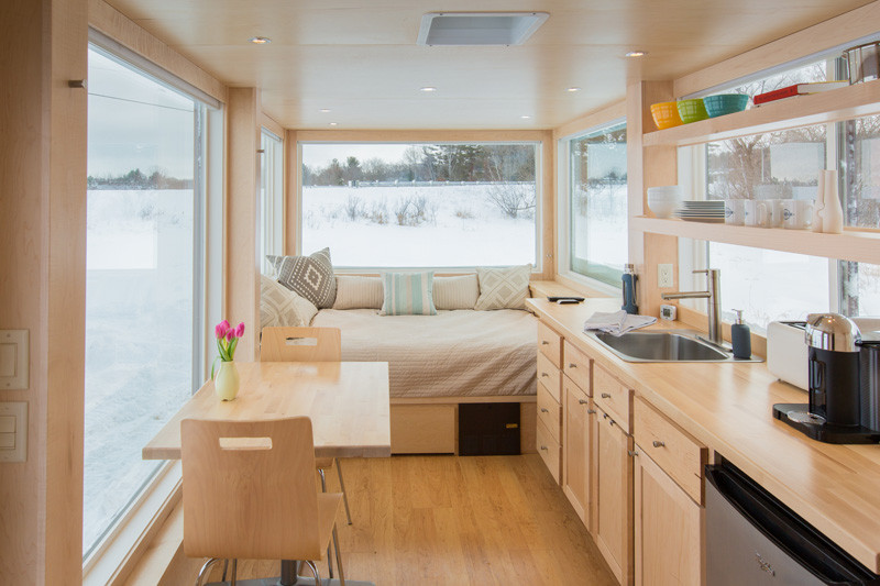 tiny-house-that-mixes-contemporary-design-and-comfort (1)