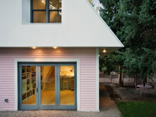 tiny pink eco house (1)