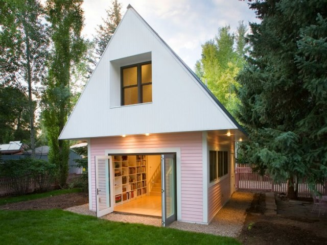 tiny pink eco house (13)