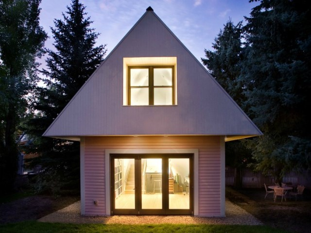 tiny pink eco house (14)