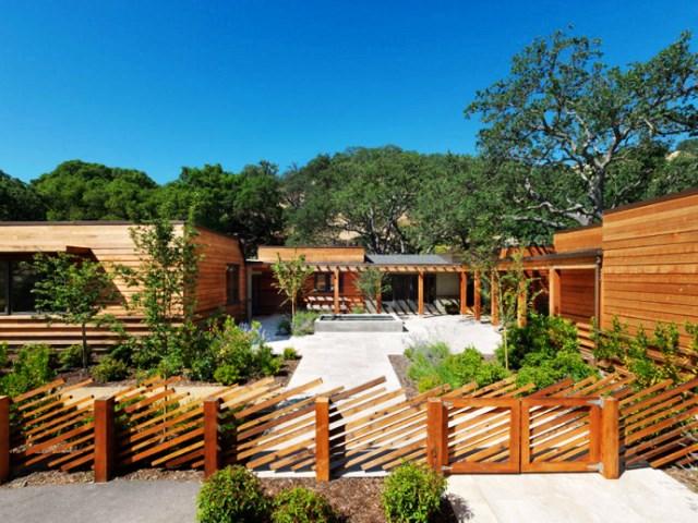 wooden Villa with pool hillside (1)