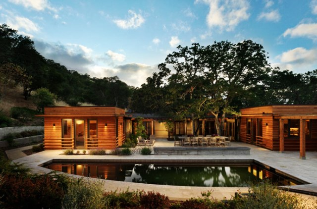 wooden Villa with pool hillside (13)