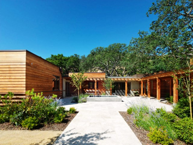 wooden Villa with pool hillside (4)