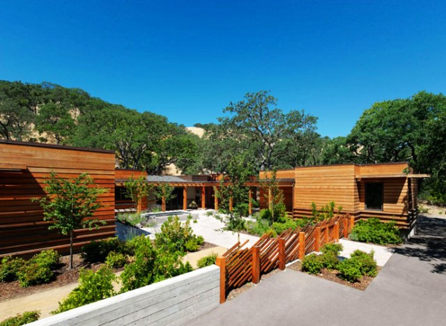 wooden Villa with pool hillside (8)