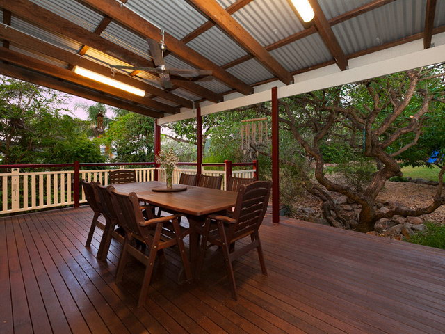 wooden patio house (10)