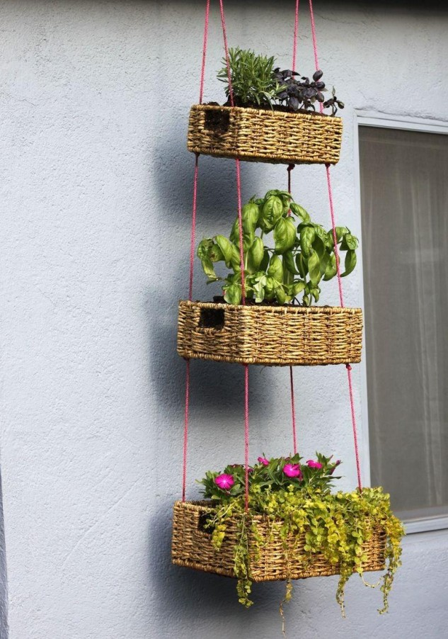 14 creative low budget garden planter ideas (2)